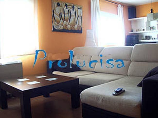 Casa en venta con 240 m2, 5 dormitorios  en El Viso de San Juan , pasa