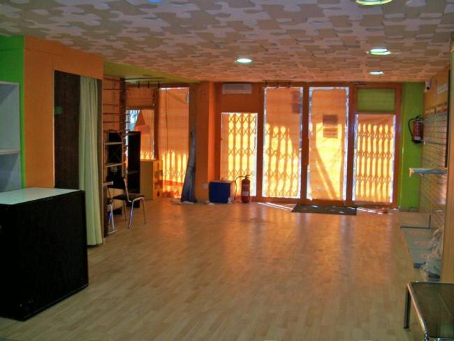 Local en alquiler con 700 m2,  en Universitat, Xalets Humbert Torres,