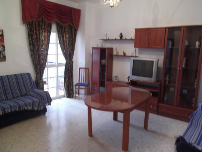 Piso en alquiler con 90 m2, 3 dormitorios  en Utrera, CENTRO  - Foto 1