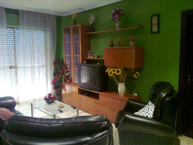 Piso en alquiler con 80 m2, 3 dormitorios  en San Juan de Aznalfarache