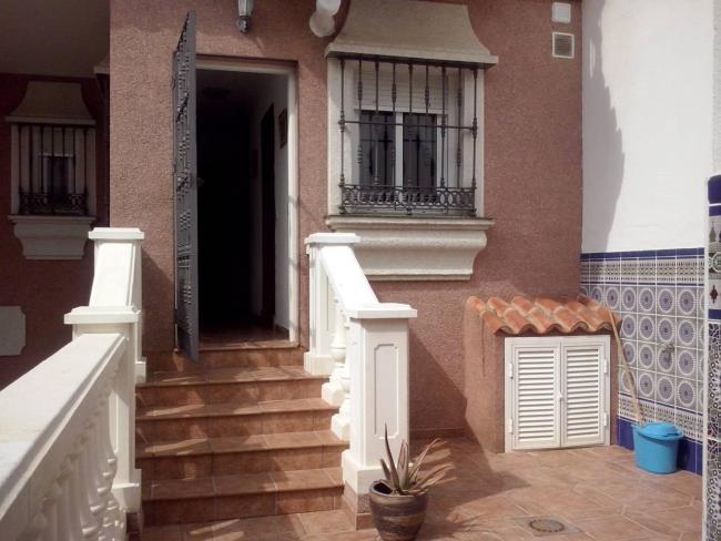Casa en alquiler con 100 m2, 5 dormitorios  en Chiclana de la Frontera
