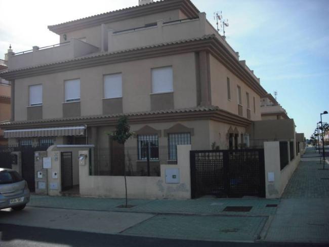 Casa en venta con 140 m2, 4 dormitorios  en Corrales, NUEVO CORRALES